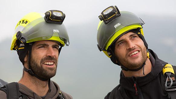 Alles über die Ausstattungsmöglichkeiten der Helme VERTEX und STRATO