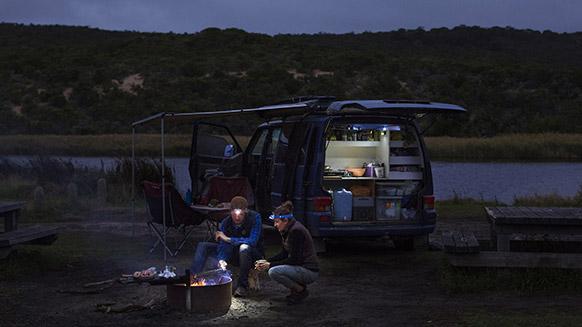 Australischer Roadtrip im Licht des Sonnenuntergangs