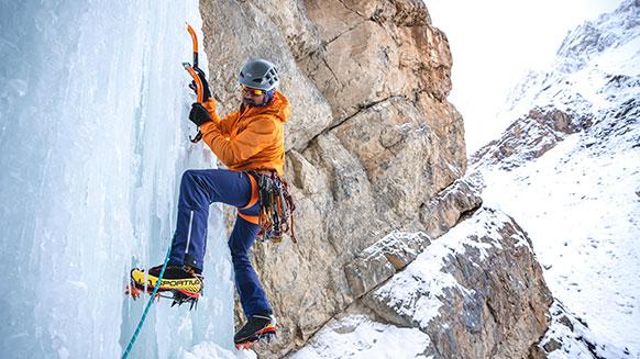 Una spedizione sul ghiaccio in Himalaya