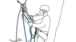 Sichern mit einem Seil zusätzlich zu den Falldämpfern mit integriertem Verbindungsmittel