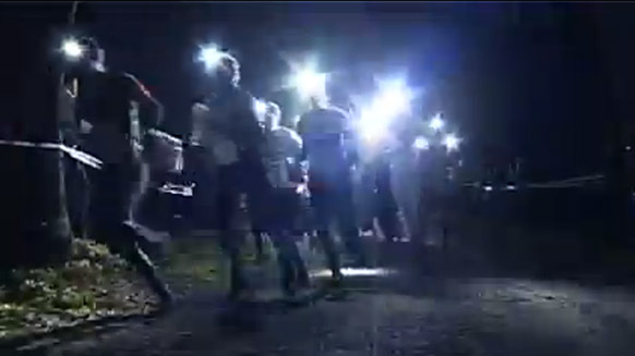 Captura de pantalla del vídeo:10 Mila - night orienteering