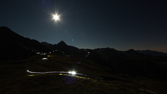 A full moon rising at the UTMB® for Xavier Thévénard and Nathalie Mauclair