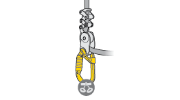 Choice of carabiner for connecting a ZILLON or GRILLON lanyard to the harnesss