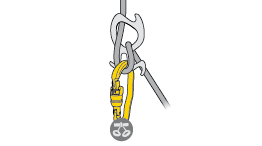 Choice of carabiners for attaching the PIRANA to the harness