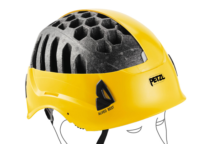 Lightweight helmet construction