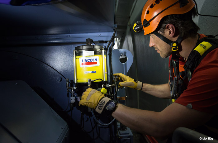Equipment for work-at-height and rescue professionals: fall arrest, work positioning, personal escape, difficult to access and confined space rescue systems. Specialized headlamps for professionals.