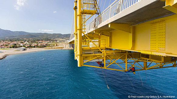 Inspection et maintenance du pontde Rion Antirion en Grèce par Hydrokarst
