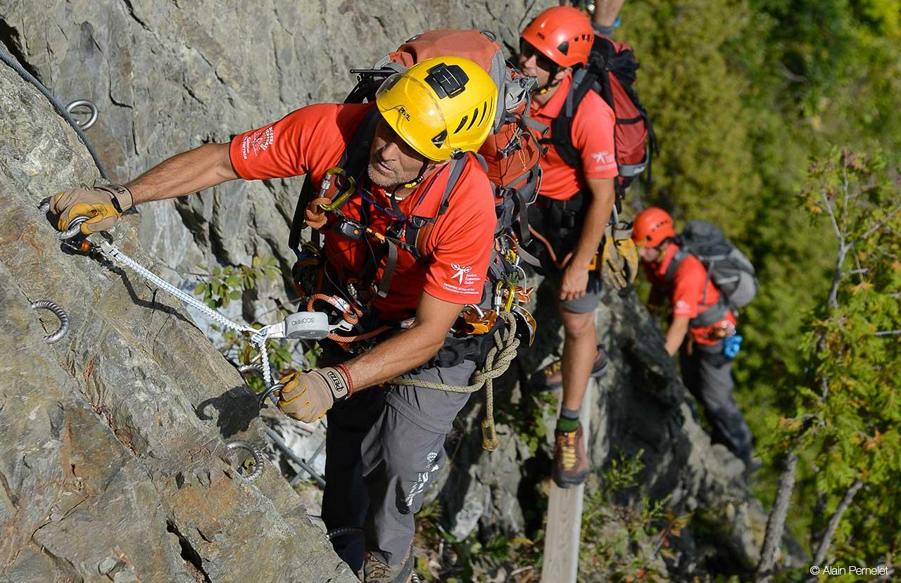Klettersteig Grade : Petzl nachrichten klettersteige in québec herausforderung an die