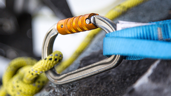 Carabiner how to guide: choosing and using the right carabiner
